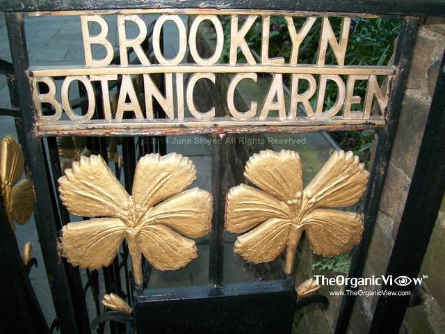 Brooklyn Botanic Garden entrance to Shakespeare Garden
